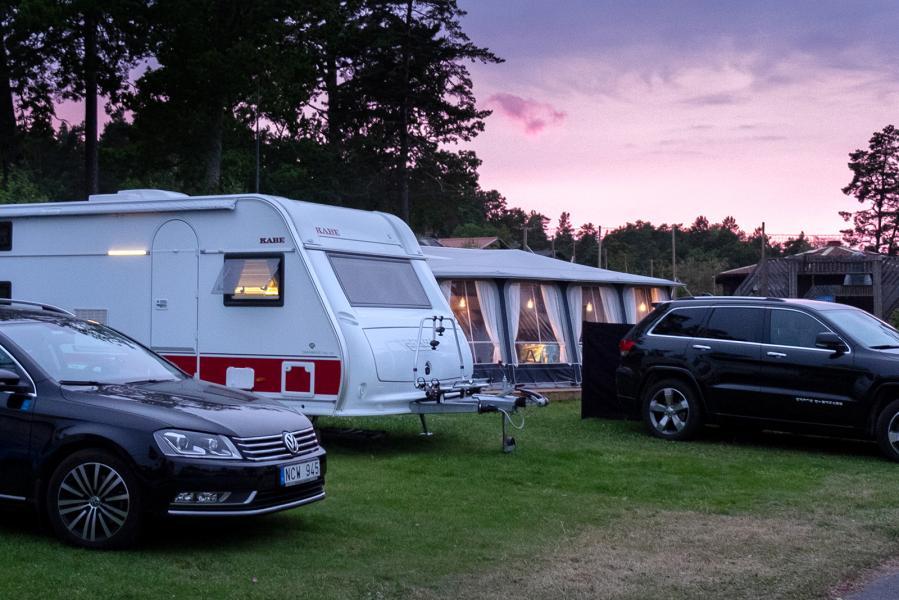 Camping & Corona